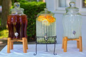 Saftspender mit Zapfhahn aus Glas